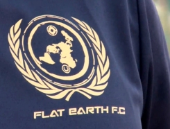 escudo flat earth copia